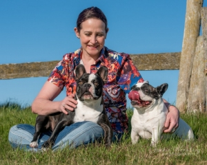 woman-with-two-French-Bulldogs-1